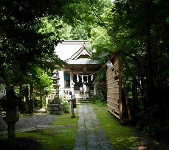 五所駒瀧神社境内